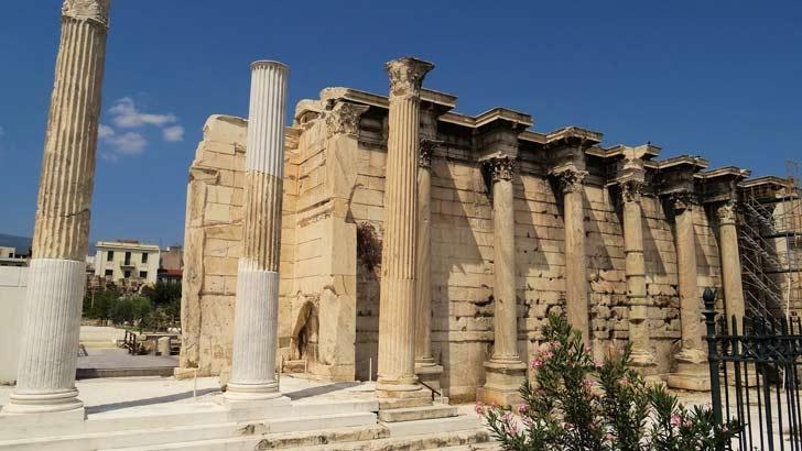 Biblioteca de Adriano o Biblioteca de las Cien Columnas