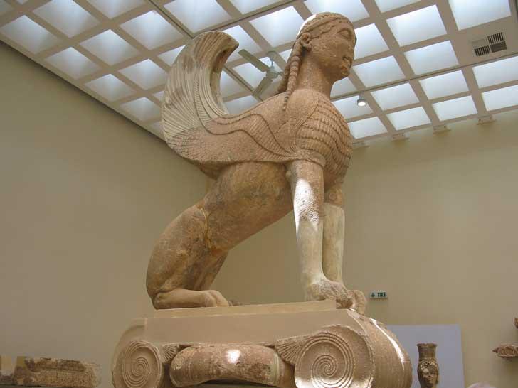 Estatua en Delfos