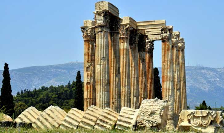 Tambien Conocido como el Olimpeion, el Templo de Zeus Olímpico
